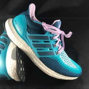 Mint condition Adidas Ultraboost 2.0 primeknit 7